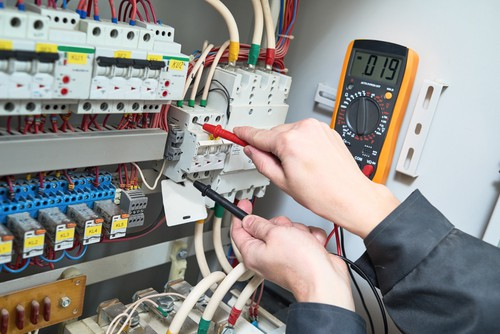 benefits-of-getting-a-qualified-electrician